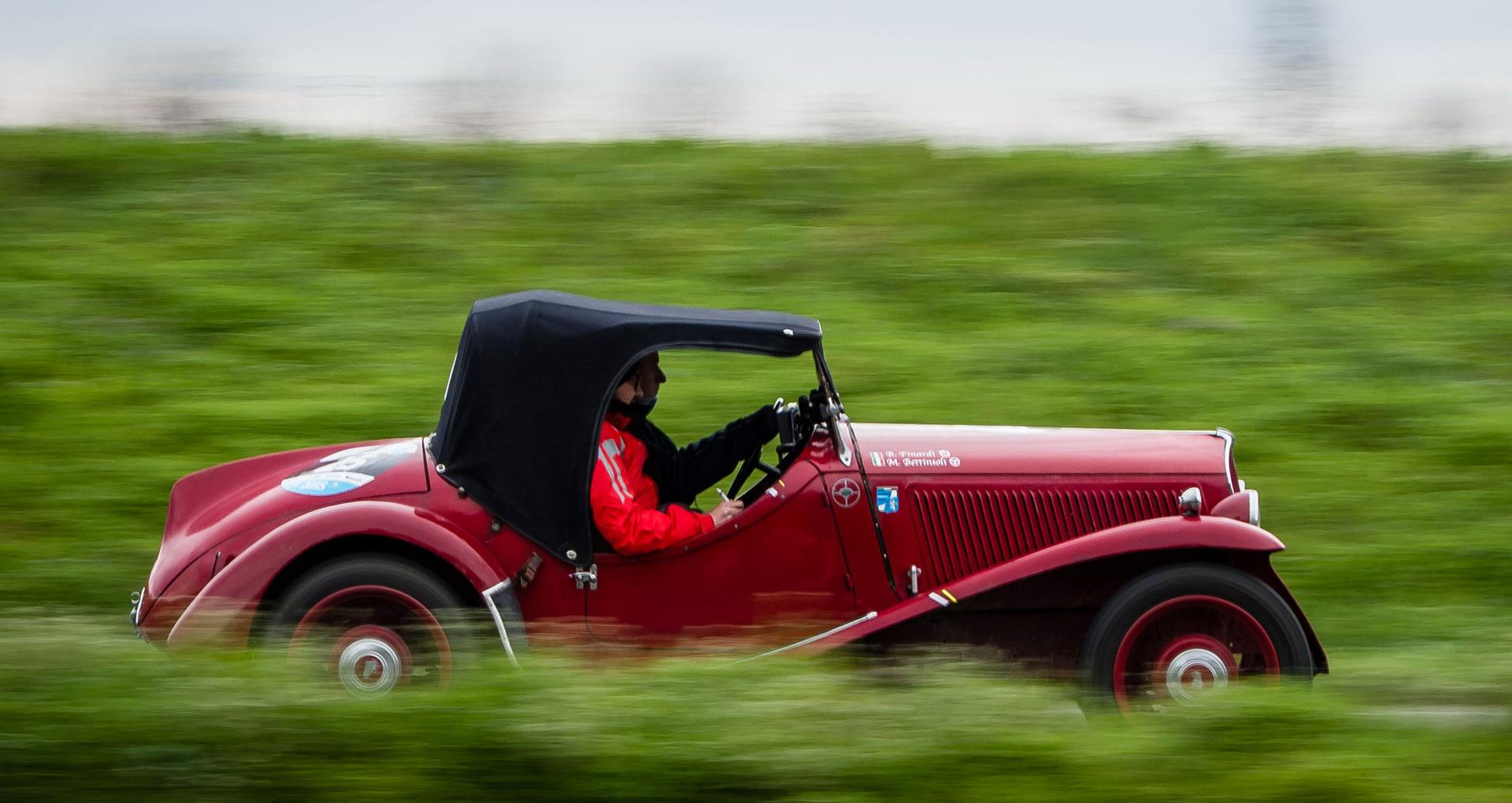 http://trofeoforesti.it/wp-content/uploads/2018/12/foto-banner-auto-rossa.jpg
